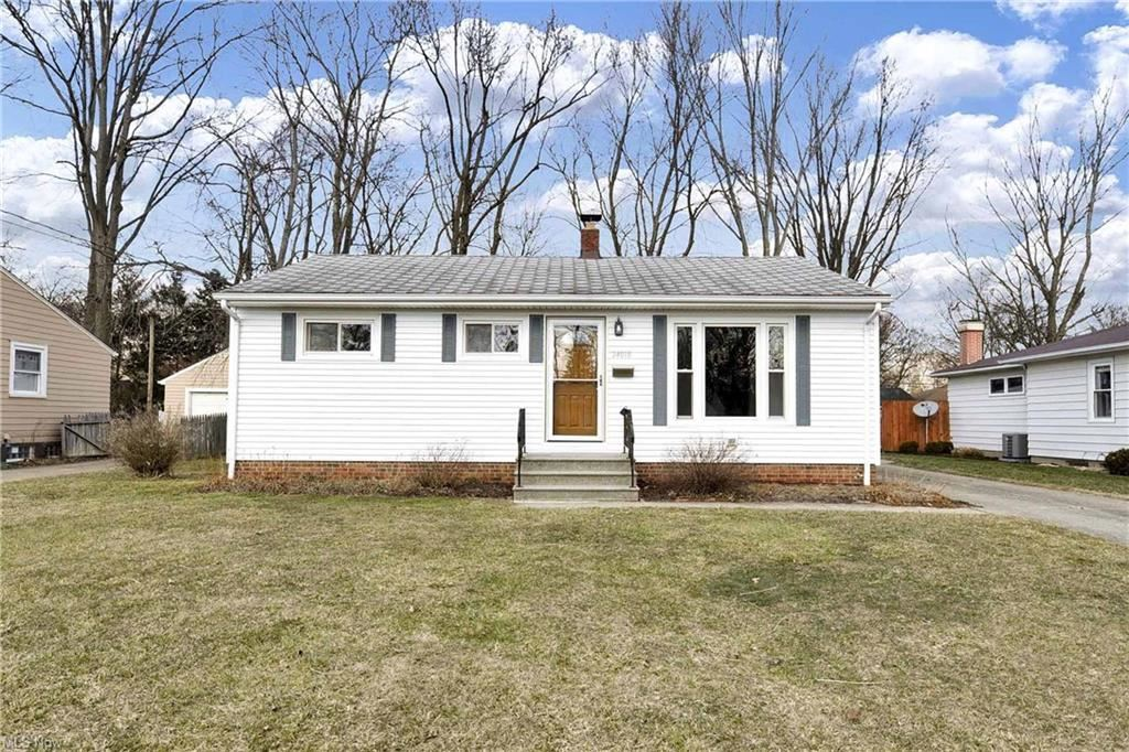 24018 Lebern, North Olmsted, OH 44070 - #: 4256219