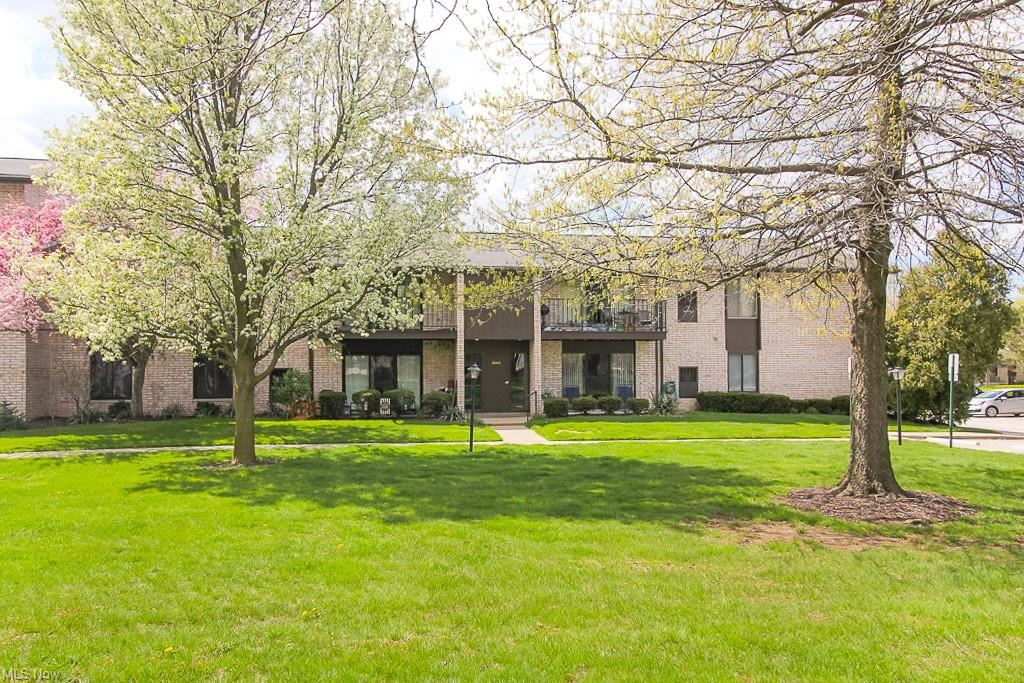 16415 Heather Lane #F104, Middleburg Heights, OH 44130 - #: 4271219