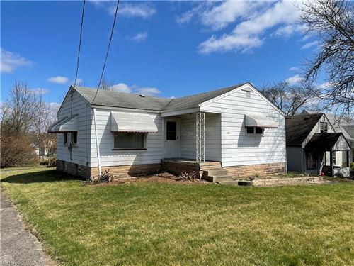 Photo of 802 Cambridge Avenue, Youngstown, OH 44502 (MLS # 4261226)