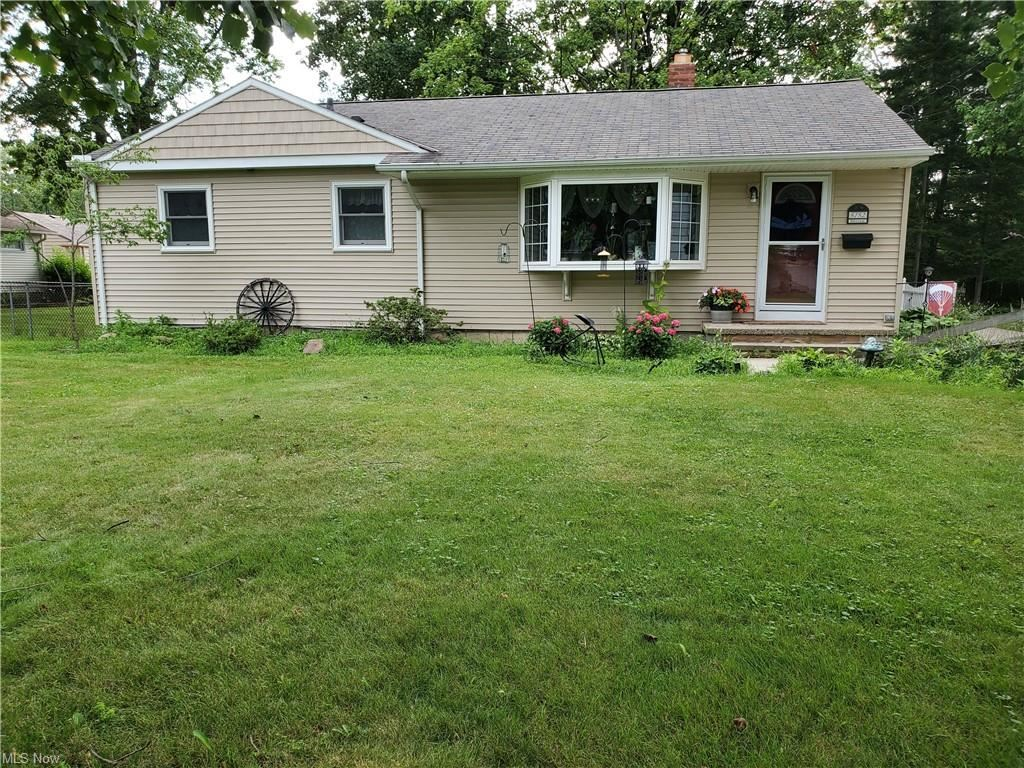 3732 W 232nd Street, North Olmsted, OH 44070 - #: 4301233