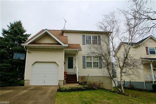Photo of 8929 Woodridge Lane, Mentor, OH 44060 (MLS # 4244252)