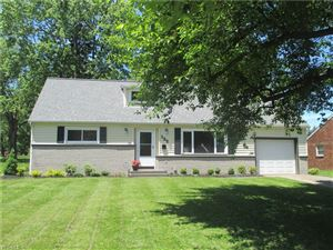 Photo of 122 South Yorkshire Blvd, Austintown, OH 44515 (MLS # 4095255)