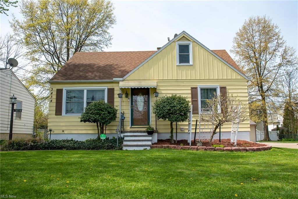 3434 W 231st Street, North Olmsted, OH 44070 - #: 4257258