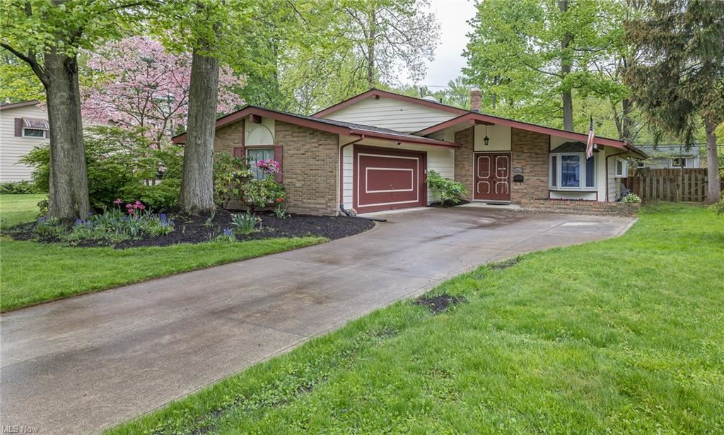 26817 Locust Drive, Olmsted Falls, OH 44138 - #: 4276265