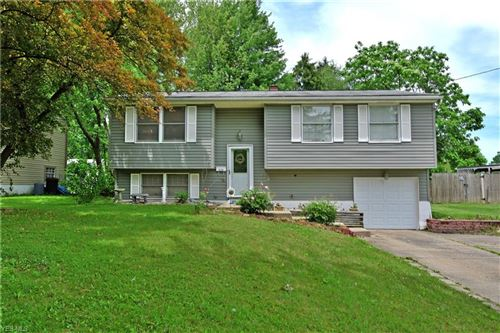 Photo of 5124 Willow Crest Dr, Youngstown, OH 44515 (MLS # 4099276)