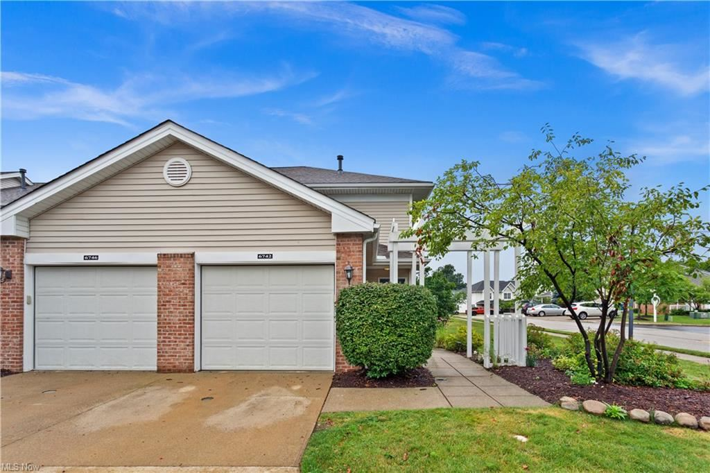 6742 Stoneloch Court, Middleburg Heights, OH 44130 - #: 4308293