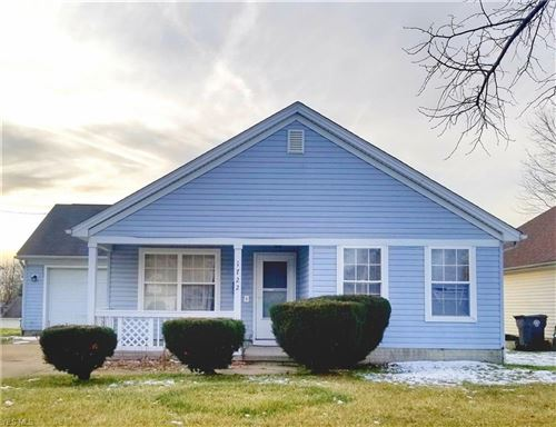 Photo of 1722 Lansdowne Boulevard, Youngstown, OH 44505 (MLS # 4162294)