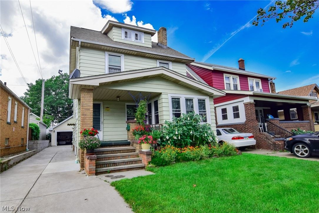 2212 Clarence Avenue, Lakewood, OH 44107 - #: 4317313