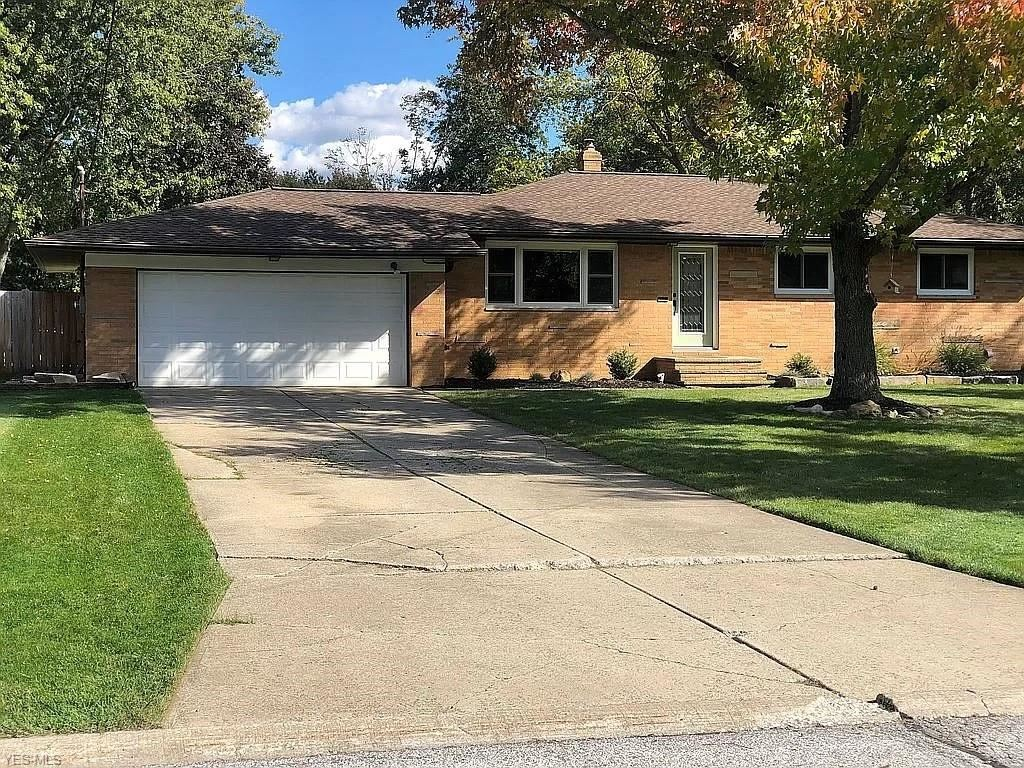 8803 Falls Lane, Broadview Heights, OH 44147 - #: 4242322