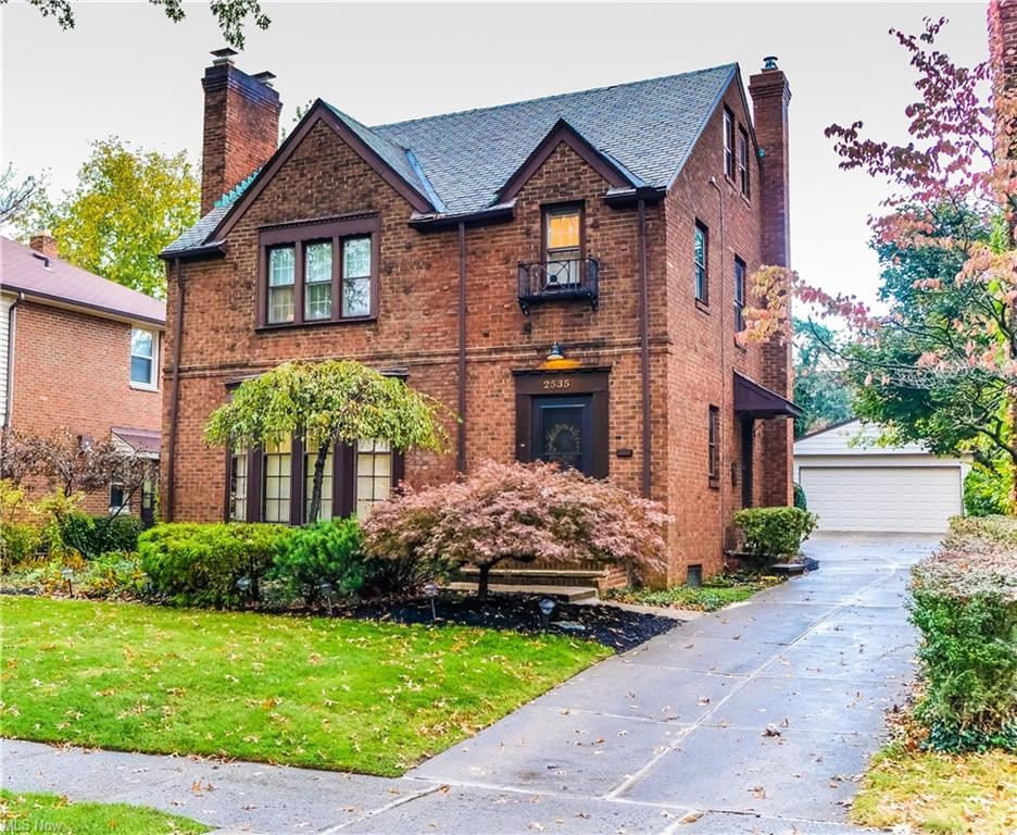 Photo of 2535 Fenwick Road, Cleveland, OH 44118 (MLS # 4327332)
