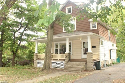 Photo of 15935 Broadway Avenue, Maple Heights, OH 44137 (MLS # 4255333)