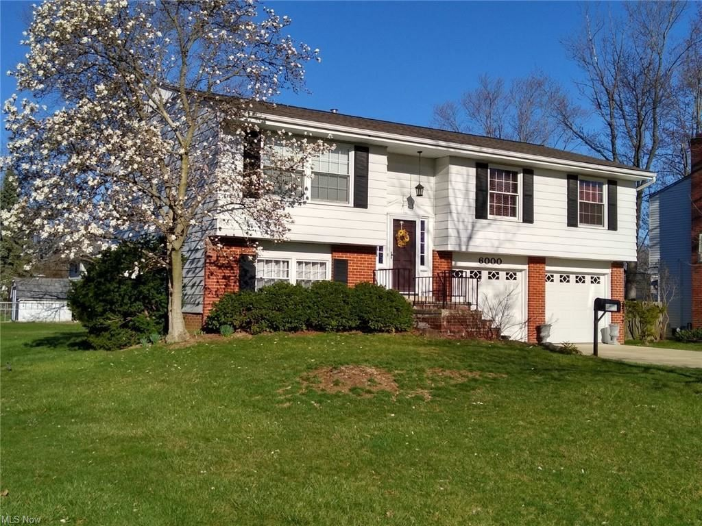 6000 Sherwood Drive, North Olmsted, OH 44070 - #: 4266354
