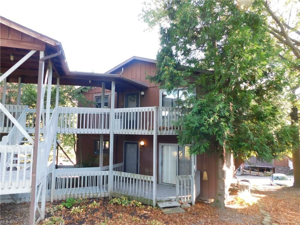 Photo of 1037 Washington #402, Wooster, OH 44691 (MLS # 4327355)