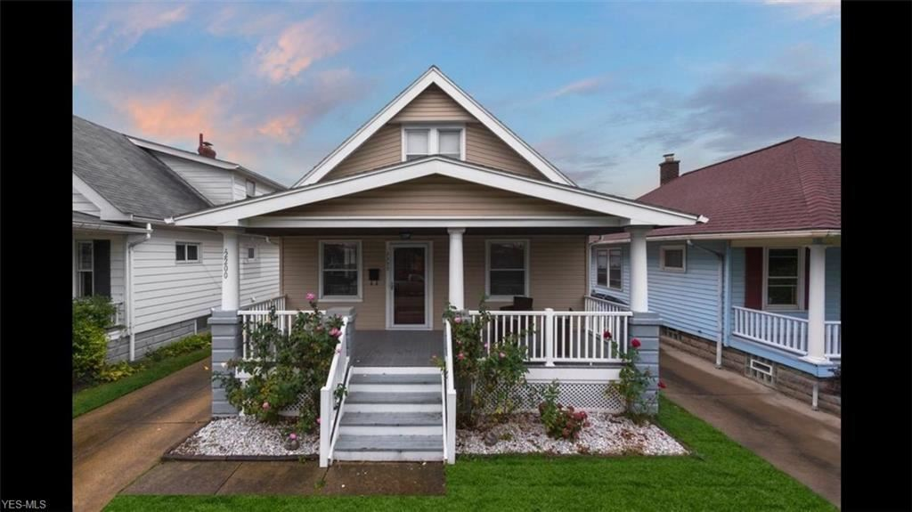 2200 Clarence Avenue, Lakewood, OH 44107 - #: 4234356