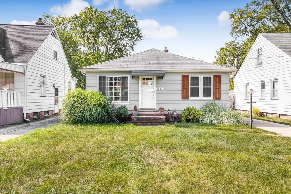 6832 Commonwealth Boulevard, Parma Heights, OH 44130 - #: 4320361