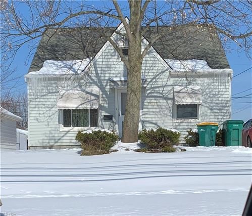 Photo of 15715 Turney Road, Maple Heights, OH 44137 (MLS # 4257364)