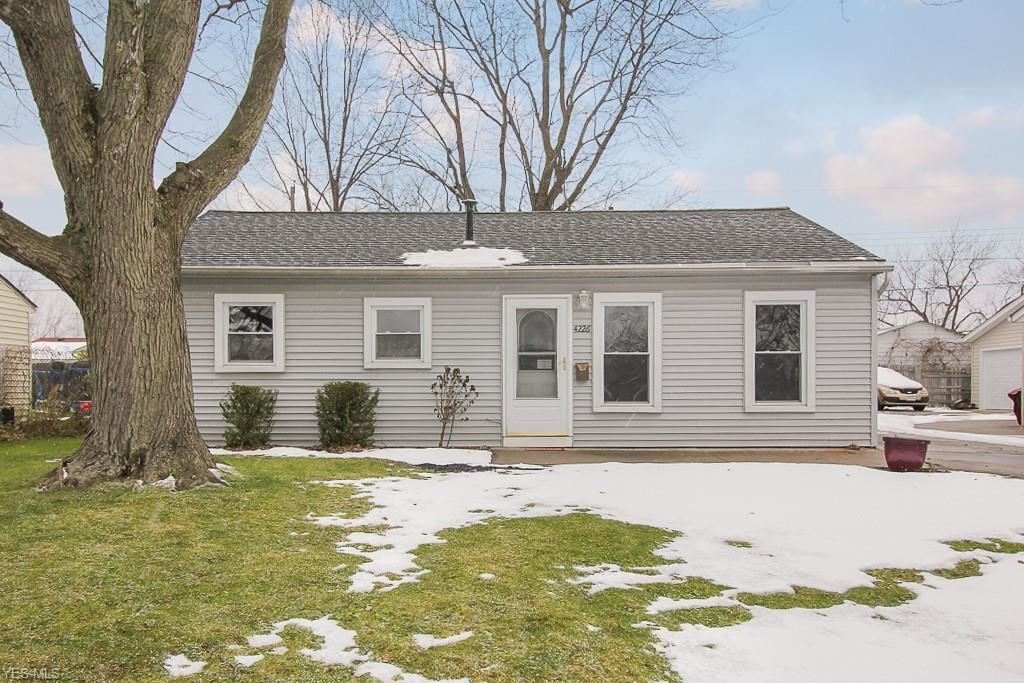 4226 Charleston Avenue, Lorain, OH 44055 - #: 4244372