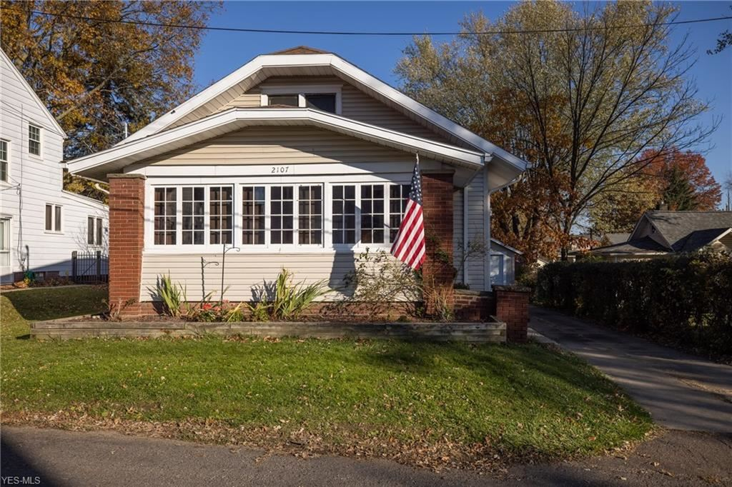 2107 37th Street NW, Canton, OH 44709 - #: 4238380