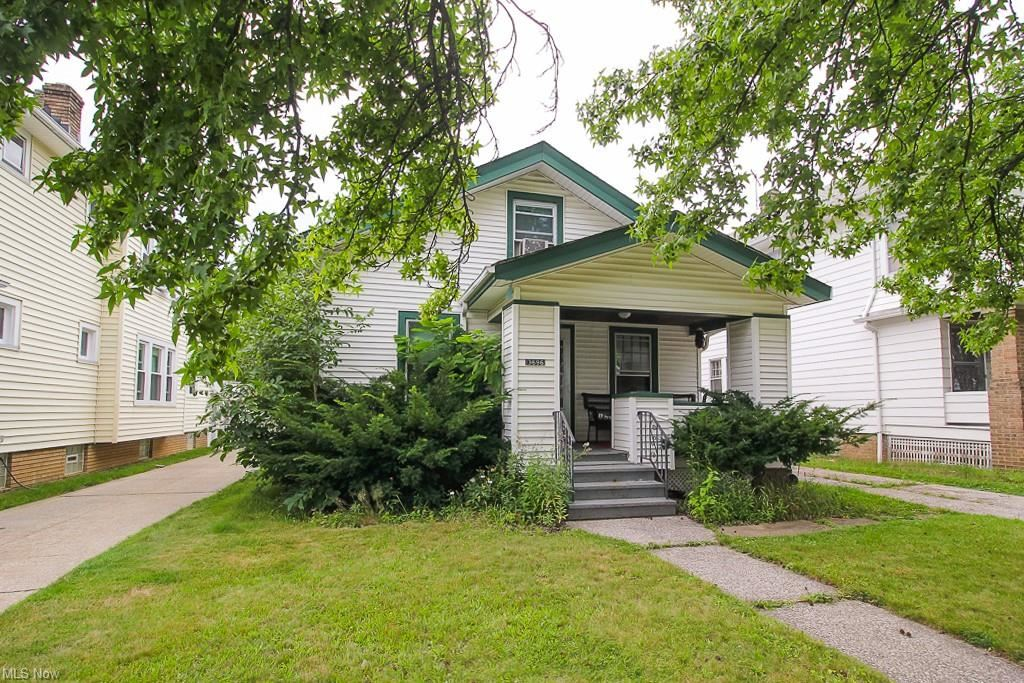 3696 W 135th Street, Cleveland, OH 44111 - #: 4301380
