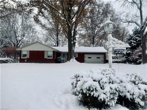 Photo of 225 Sleepy Hollow Drive, Canfield, OH 44406 (MLS # 4149389)