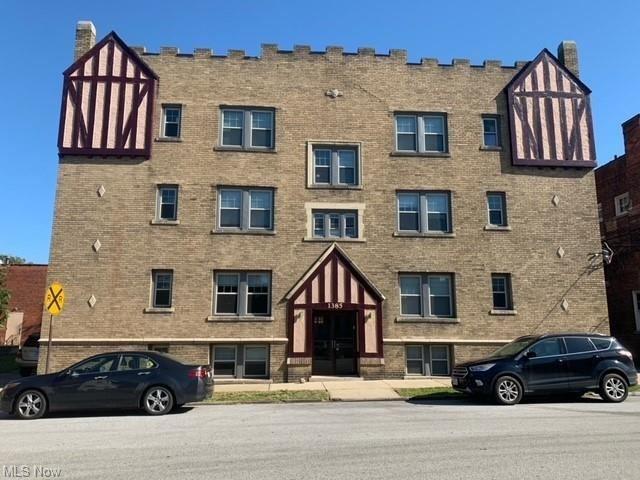 Photo of 1385 Cranford Avenue #5, Lakewood, OH 44107 (MLS # 4327390)