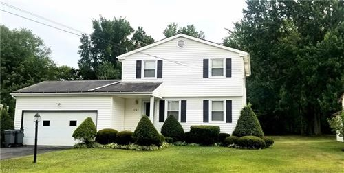 Photo of 4347 Timberbrook Drive, Canfield, OH 44406 (MLS # 4124393)