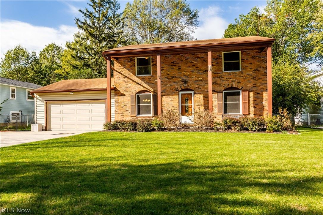 Photo of 8552 Usher Road, Olmsted Township, OH 44138 (MLS # 4327397)