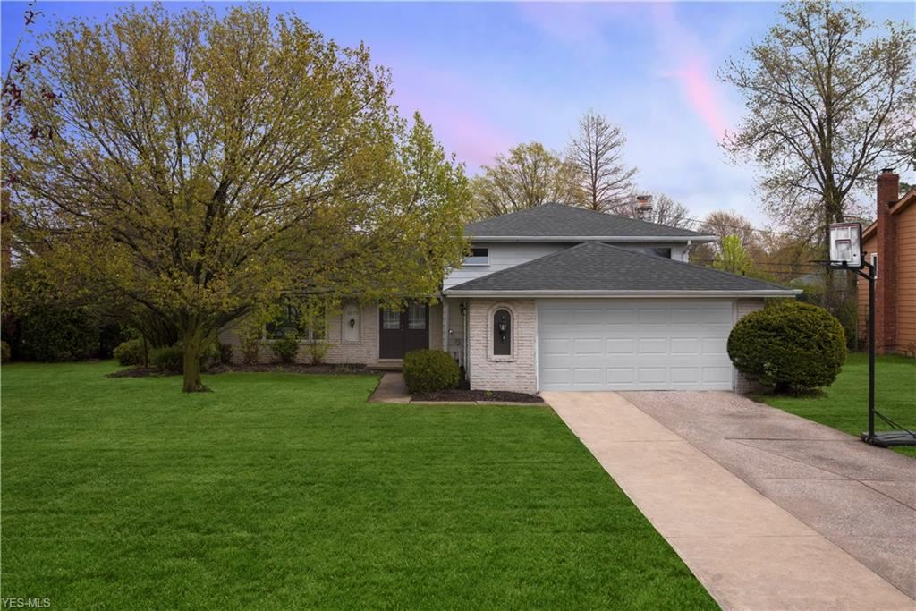6675 Wedgewood Drive, North Olmsted, OH 44070 - #: 4200400