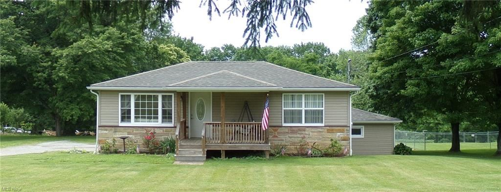 Photo for 6975 Bye Road, East Palestine, OH 44413 (MLS # 4288425)