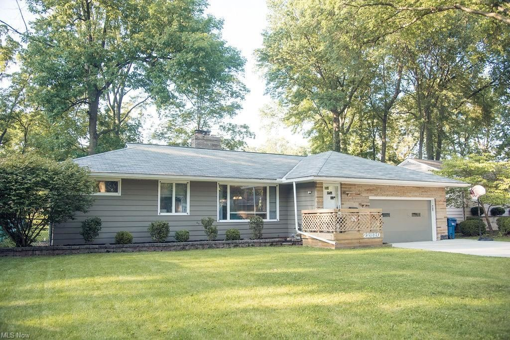 22820 Sycamore Drive, Fairview Park, OH 44126 - #: 4303426