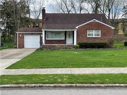 Photo of 3299 S Wendover Circle, Youngstown, OH 44511 (MLS # 4269430)