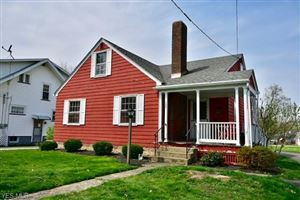 Photo of 126 East Woodland Ave, Columbiana, OH 44408 (MLS # 4088438)