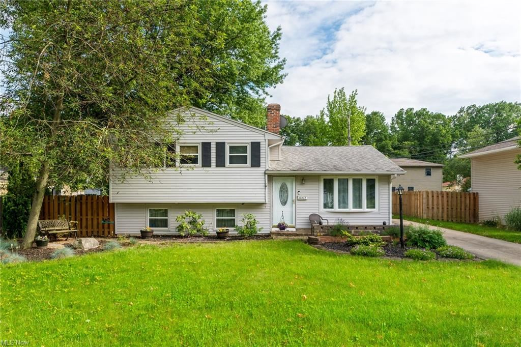 24717 Antler Drive, North Olmsted, OH 44070 - #: 4280441