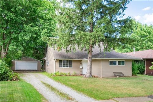 Photo of 324 Wyleswood Drive, Berea, OH 44017 (MLS # 4212458)