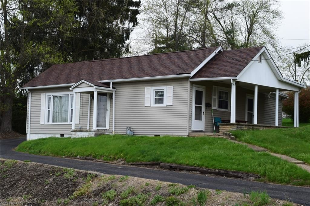 169 Newell Avenue, Saint Clairsville, OH 43950 - #: 4274458