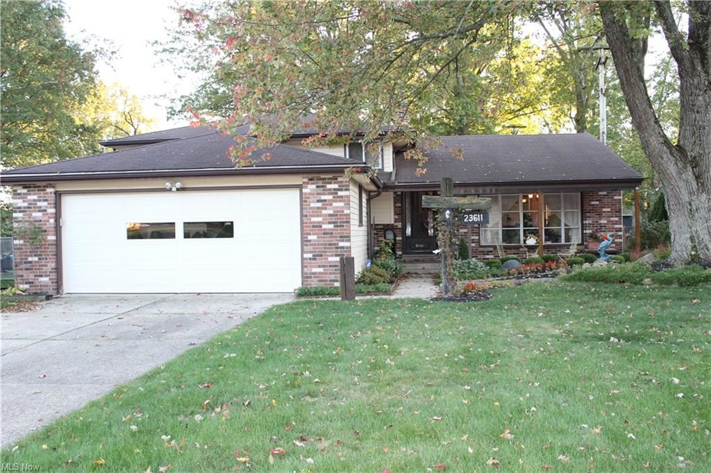 23611 Carriage Lane, North Olmsted, OH 44070 - #: 4232462