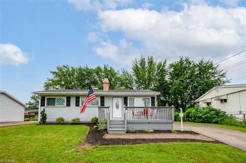 Photo of 694 Notre Dame Avenue, Youngstown, OH 44515 (MLS # 4303467)