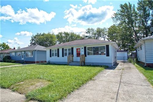 Photo of 16004 Evening Star Avenue, Maple Heights, OH 44137 (MLS # 4318467)