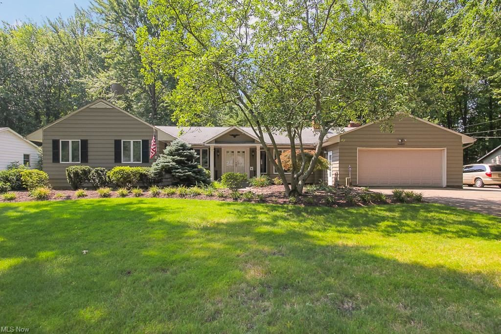Photo of 26439 Rechner Drive, Westlake, OH 44145 (MLS # 4303473)