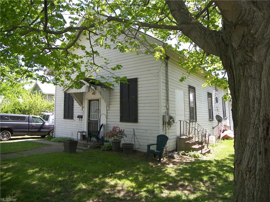 445 W Main Street, South Amherst, OH 44001 - #: 4275482