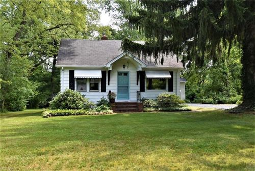 Photo of 3905 Wiltshire Road, Moreland Hills, OH 44022 (MLS # 4307484)