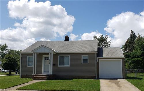 Photo of 1584 Overbrook Road, Lyndhurst, OH 44124 (MLS # 4316484)