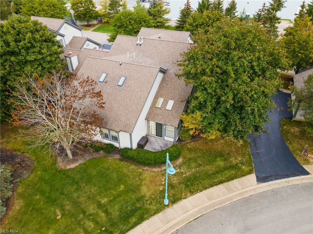 Photo of 401 N Arrowhead Bay Avenue #1, Columbiana, OH 44408 (MLS # 4324488)