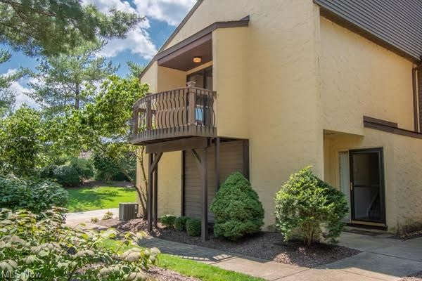 Photo of 619 Hampton Ridge Drive, Akron, OH 44313 (MLS # 4302491)
