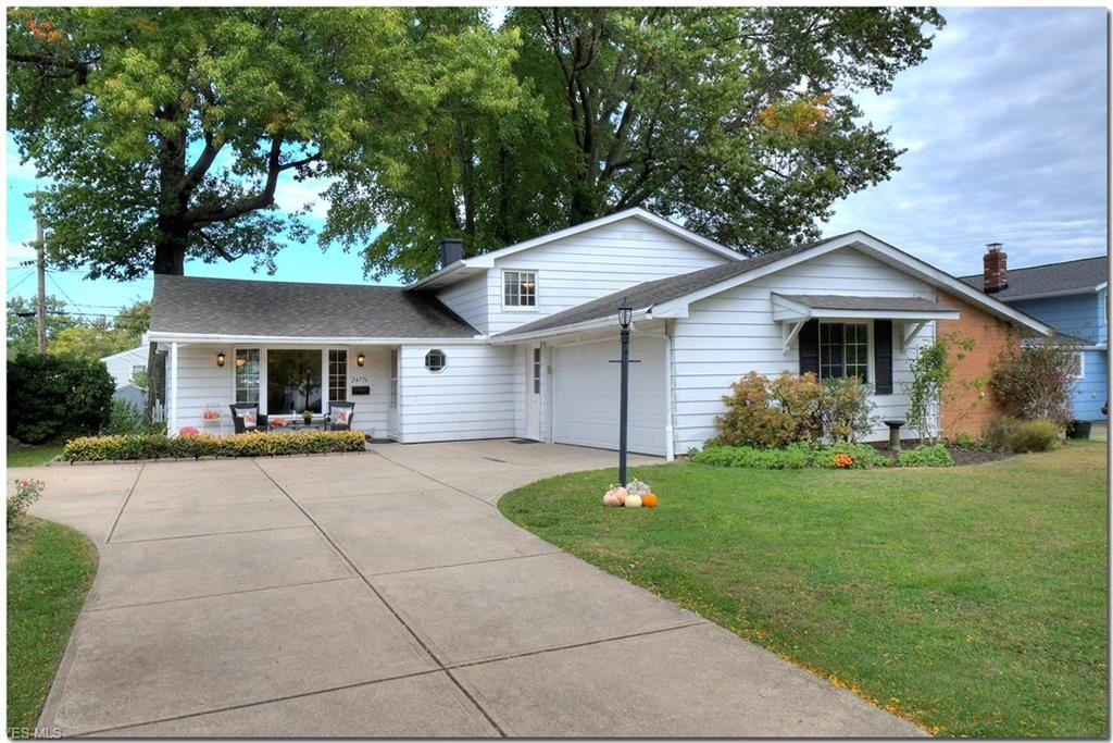 24776 Deerfield Drive, North Olmsted, OH 44070 - #: 4230499