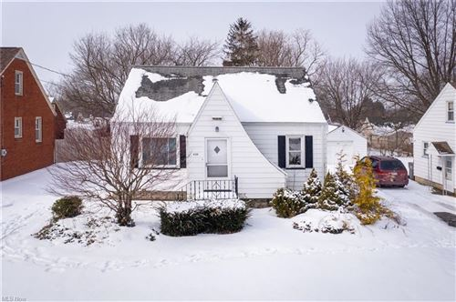 Photo of 438 W Heights Avenue, Youngstown, OH 44509 (MLS # 4257502)