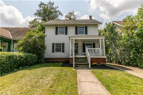 Photo of 3252 Tullamore Road, Cleveland Heights, OH 44118 (MLS # 4312504)