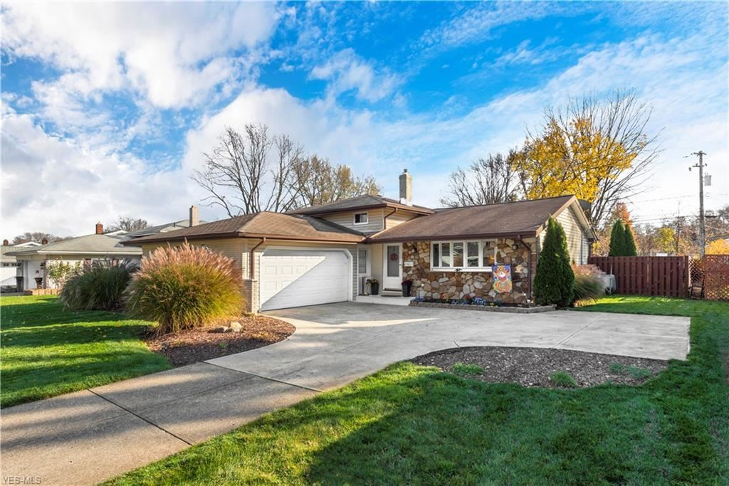 23807 Curtis Drive, North Olmsted, OH 44070 - #: 4239516