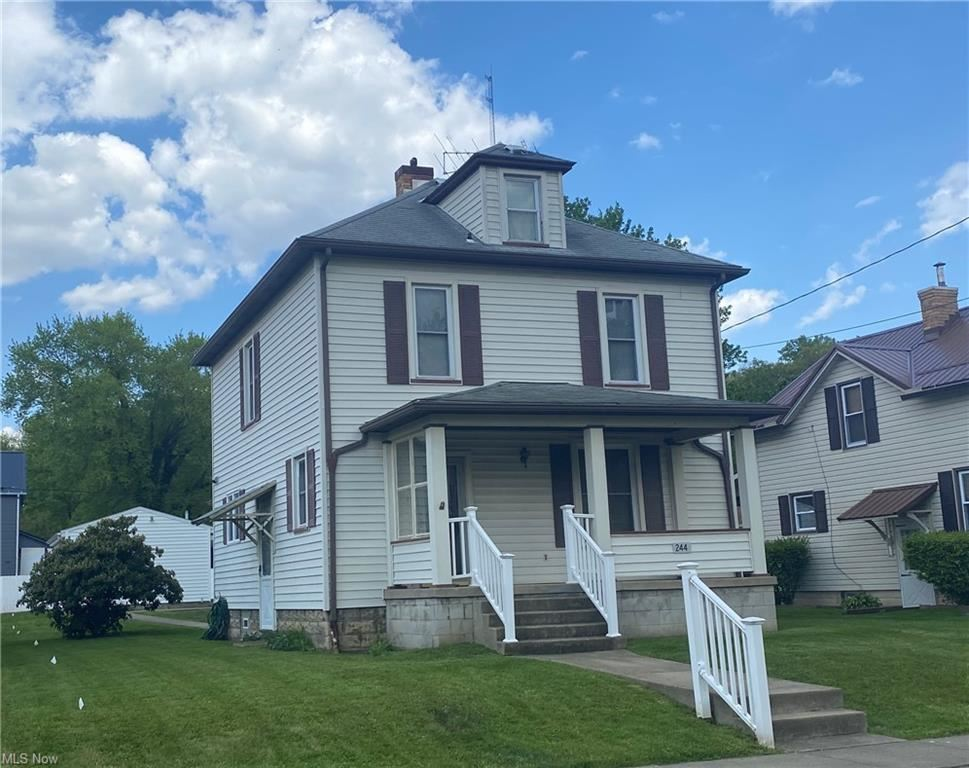 Photo for 244 E North Avenue, East Palestine, OH 44413 (MLS # 4279525)