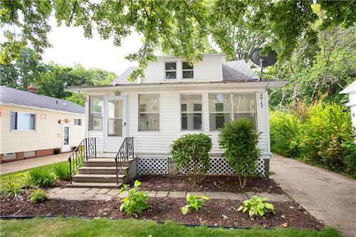 Photo of 20145 Lakeview Court, Rocky River, OH 44116 (MLS # 4288526)